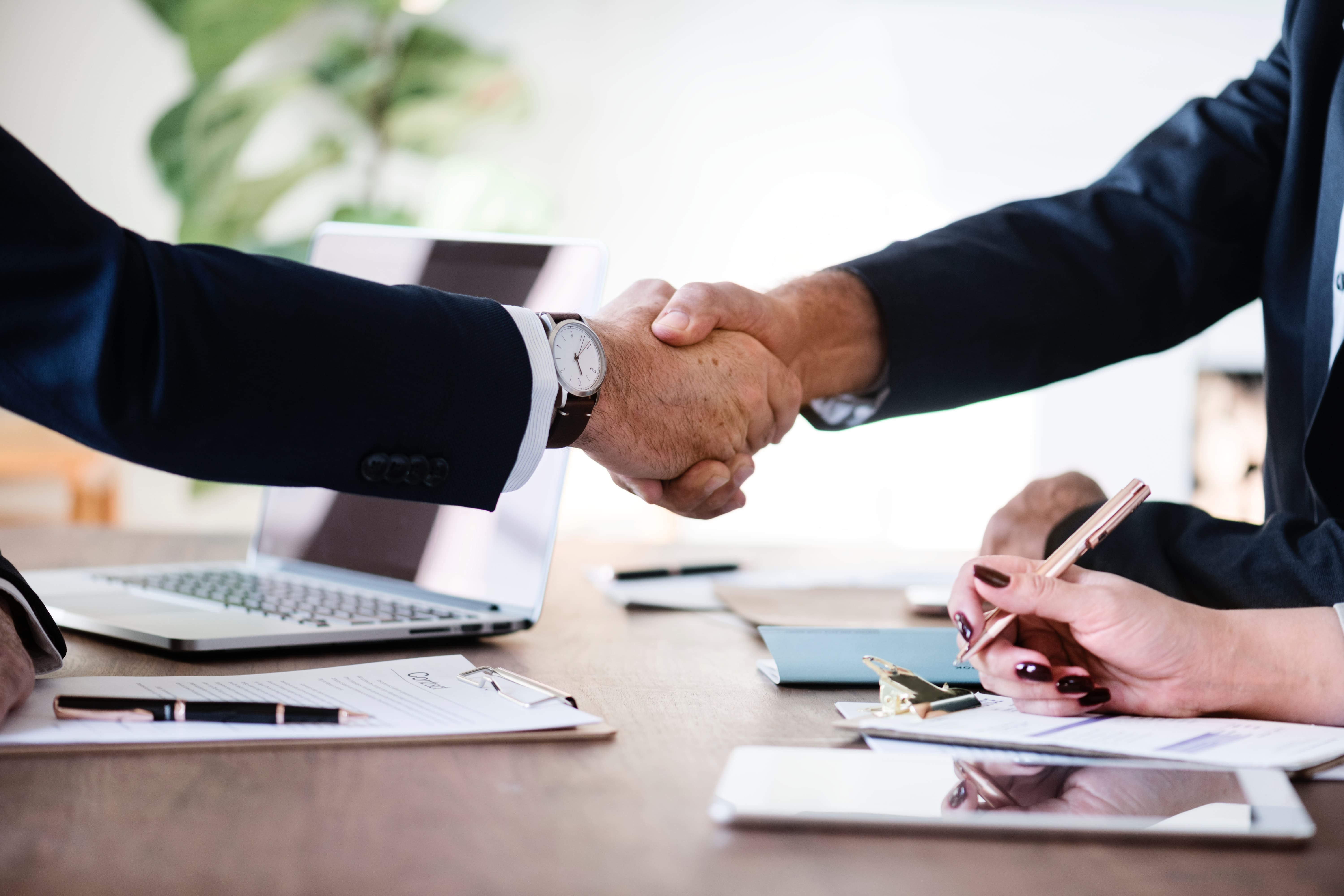 agreement-business-businessmen-886465-min